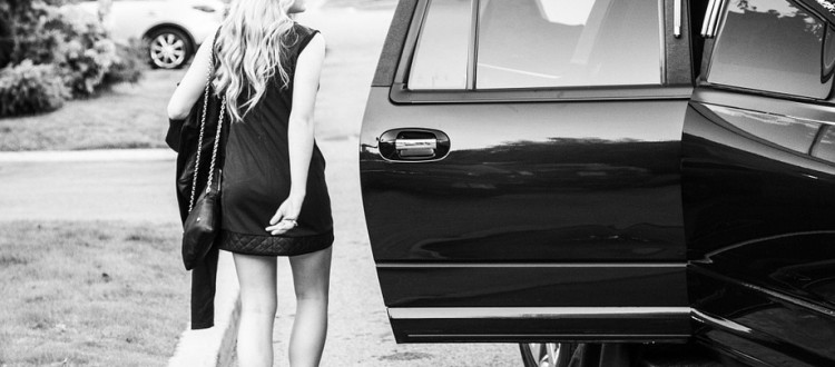 4 reasons to hire a limousine for your prom