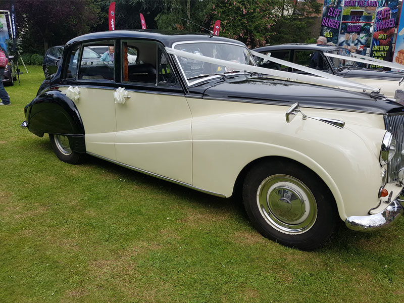Vintage Wedding Car Hire Leicestershire | Leicester Executive Chauffeurs
